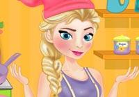 Elsa Cooking Ice Cream