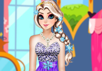 Elsa Solar Eclipse Dress Up game