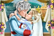 Elsa Wedding Kiss